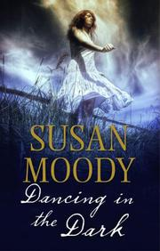 DANCING IN THE DARK by Susan Moody